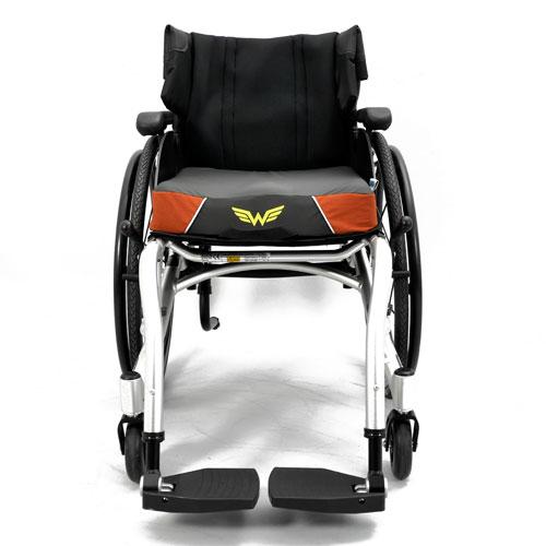 Wolturnus Dalton wheelchair front view