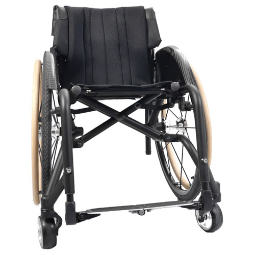 Wolturnus Merlin wheelchair front view