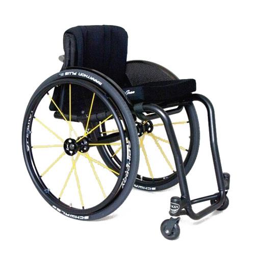 Wolturnus Tukan wheelchair in black